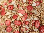 crunch muesli with strawberry